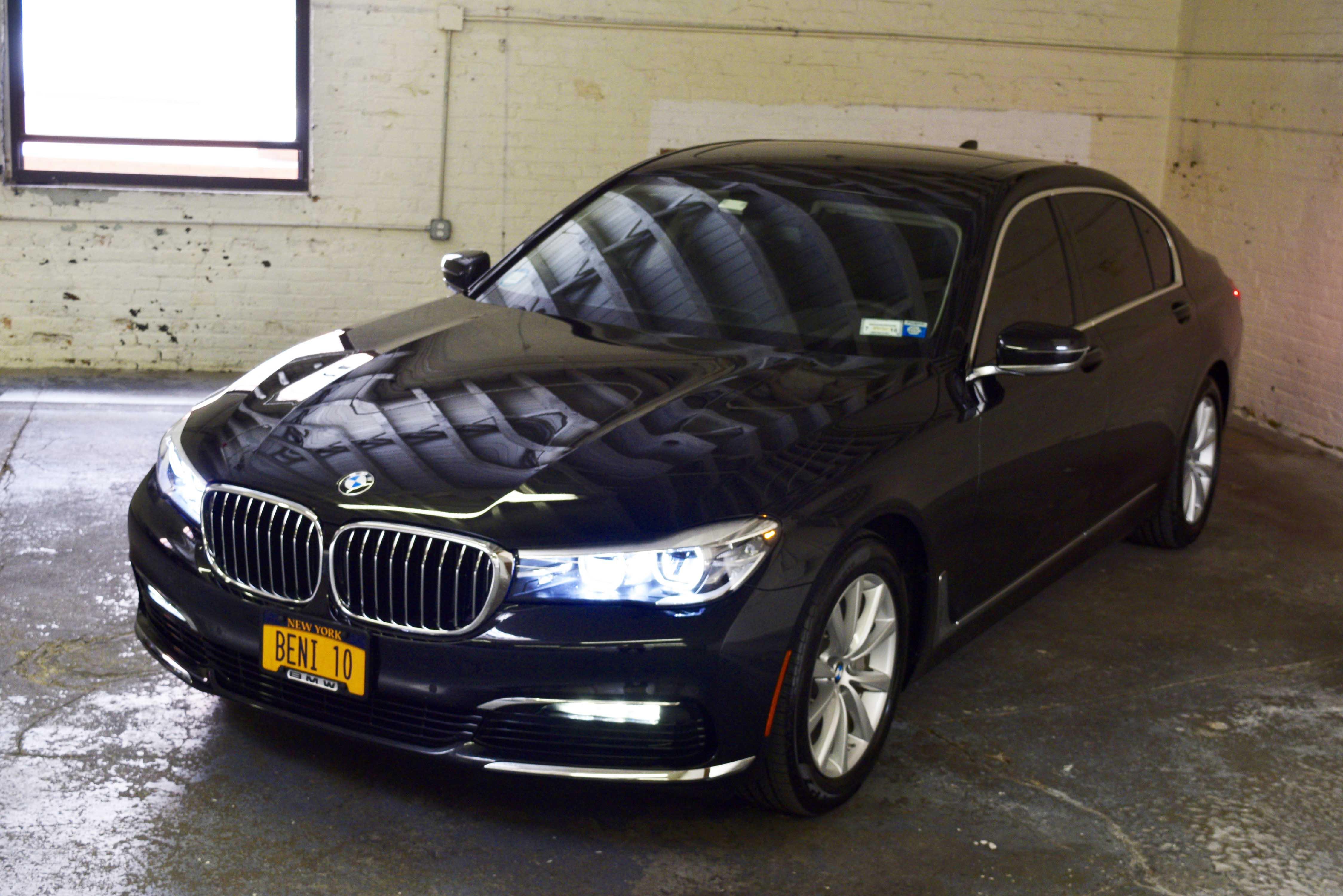 Beni_BMW_7series_exterior2